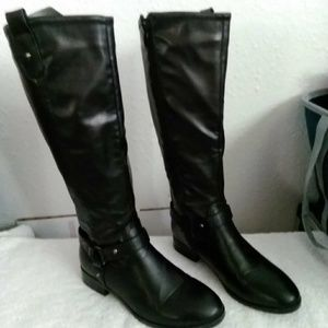 Women's Knee Boots Leather stretch back panel!